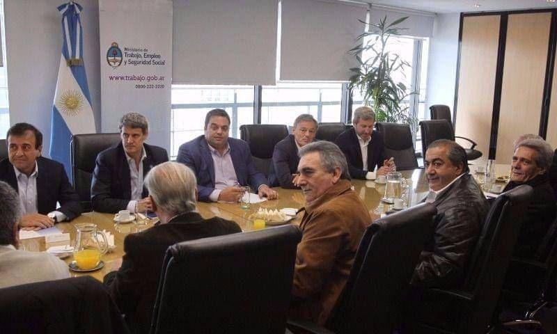 """Pablo Moyano dice que triunvirato no tiene """"huevos"""" y amenaza con romper la CGT unificada"""