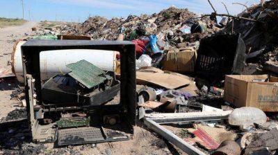 Centenario comienza a juntar basura electrónica