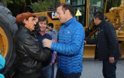 Entregaron nuevo equipamiento a Vialidad Provincial por 30 millones