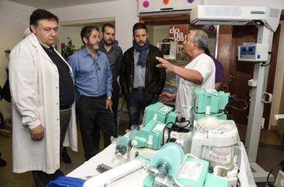 Menéndez entregó nuevos equipos al Hospital Municipal Pedro Chutro