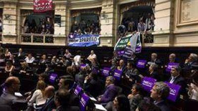 Legisladoras: con más bancas, pero aún lejos del poder