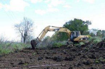 Trabajos hídricos en la zona rural del Distrito