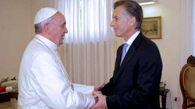 Mauricio Macri y el papa Francisco juegan al ajedrez
