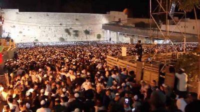 Slijot. Más de cien mil personas se reunieron antes de Iom Kipur en el Muro de los Lamentos