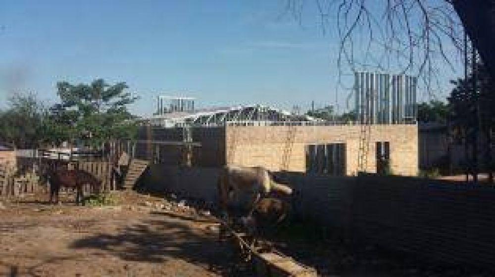 Exigen que se reinicien las obras en un centro para adictos en La Costanera