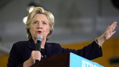 Hillary toma impulso en los sondeos tras el debate