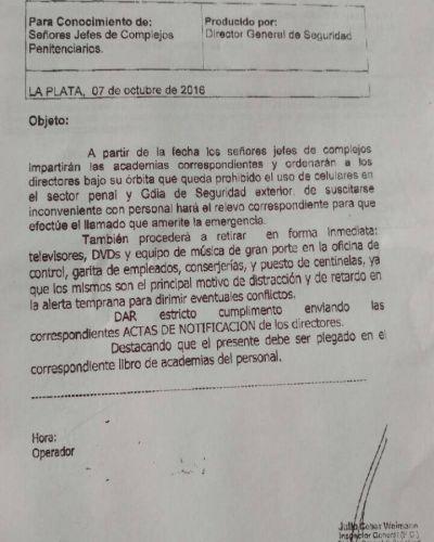 Exclusivo: Después de las denuncias de Nueva BA, prohiben el uso de celulares a los agentes penitenciarios