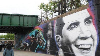 El tango y el turf tienen su homenaje en un mural junto al Hipódromo