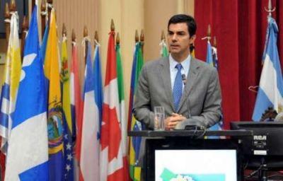 Urtubey exhortó a 200 parlamentarios a trabajar con respuestas para los pueblos