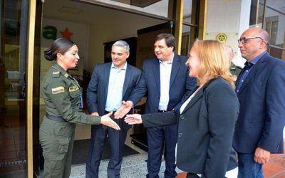 Manino Iriart en Colombia para conocer la experiencia en seguridad