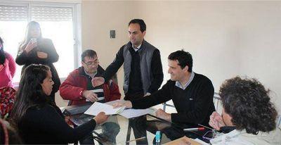 Abad participó de la entrega de 18 viviendas en el Barrio Zacagnini