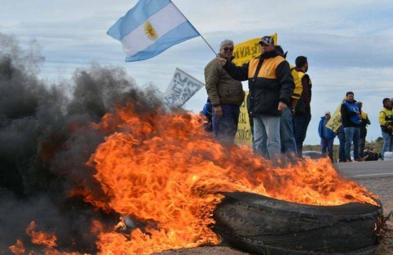 Protesta: los viales cortaron la Ruta 3