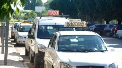 Los taxistas sufren la crisis: recaudan un 40% menos