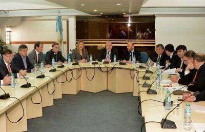 Insfran y Verna coordinaron la reunión de gobernadores y legisladores en el CFI