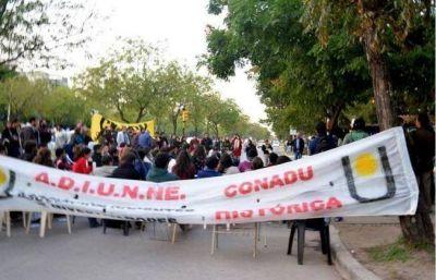 Los docentes universitarios de Chaco y Corrientes van al paro