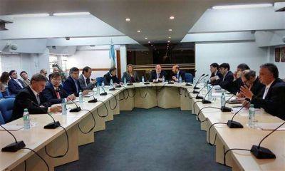 Los gobernadores peronistas mantendr�n la presi�n por cambios en el presupuesto
