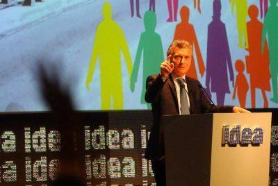 El Presidente Macri instó a los empresarios a reducir costos