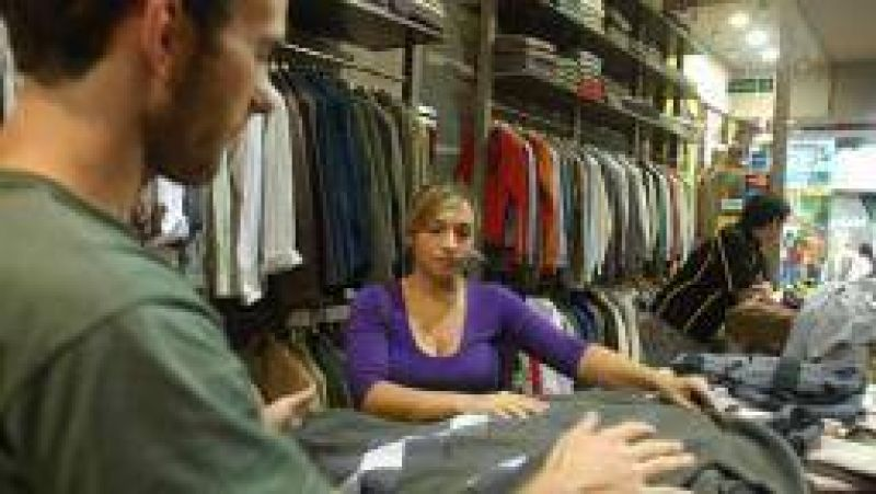 Empleados de comercio acordaron nueva suba salarial del 19%