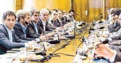 Sin posición unificada, provincias se reúnen hoy con Nación para discutir deuda y déficit