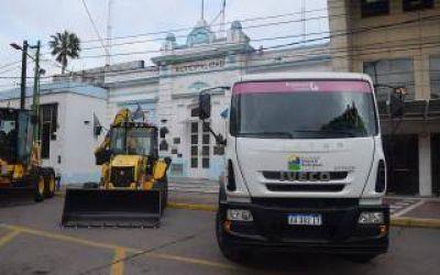 Nuevas maquinarias viales y camiones volcadores en General Rodríguez