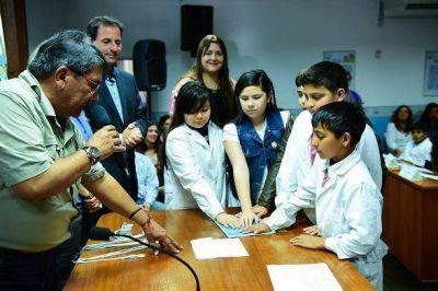 Sujarchuk particip� de un acto en el HCD con alumnos de la escuela N� 5
