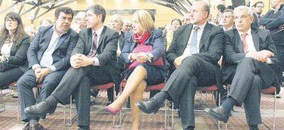 Francisco intentó unir al PJ en la previa de la cumbre con Macri