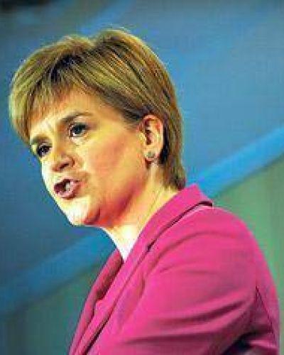Sturgeon reabre el debate sobre la independencia
