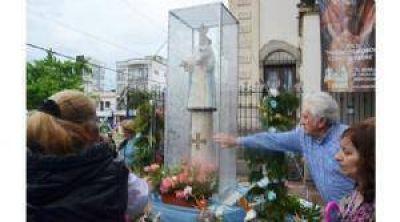 Con desfile y procesión, Pilar vivió su primer día de Patronales