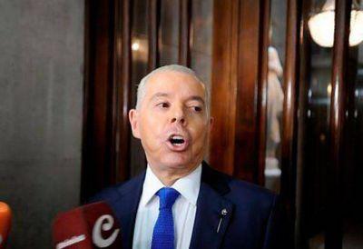 Oyarbide neg� conocer a Angelici pero lo invit� a su 20� aniversario judicial
