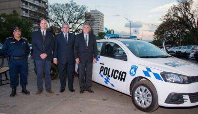 ENTREGA DE M�VILES POLICIALES REFUERZA POL�TICA DE PREVENCI�N DEL DELITO EN LA PROVINCIA