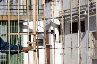 """Desestiman la """"puerta giratoria"""": de 40 mil detenidos, casi el 60% son inocentes"""