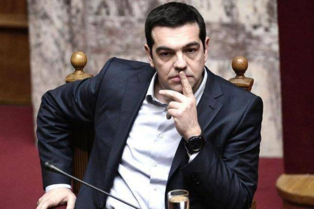 Tsipras cree que Atenas saldrá de la crisis aunque será