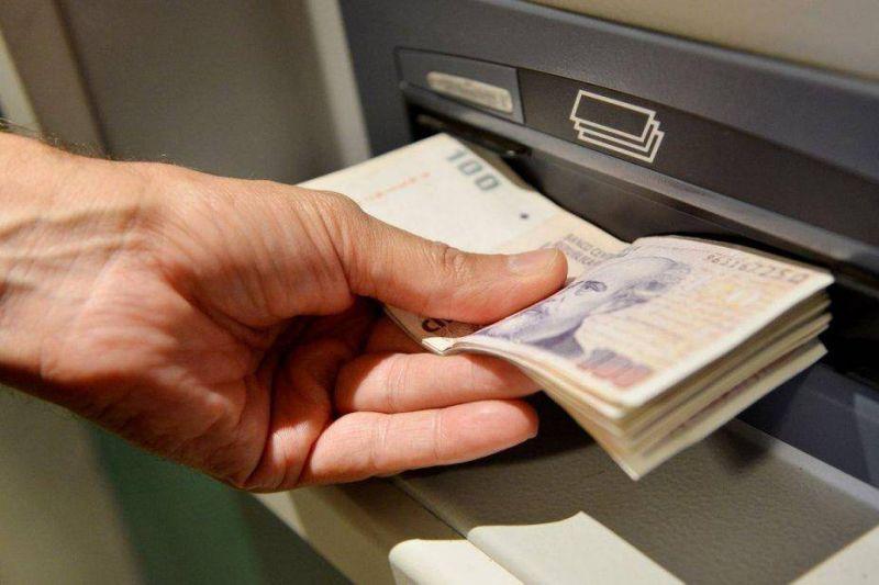 Estatales pedirán un bono de entre $3.900 y $4.500