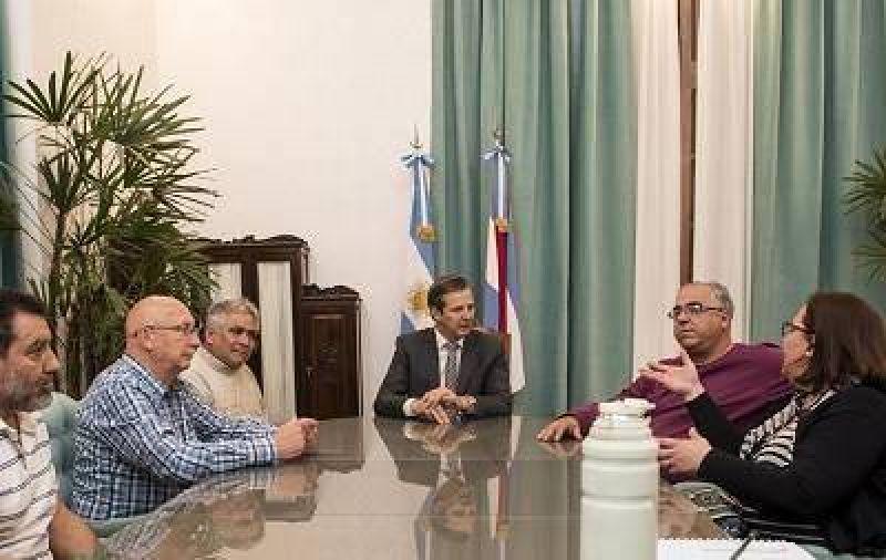 Analizan conformar una mesa de diálogo entre el gobierno y gremios estatales