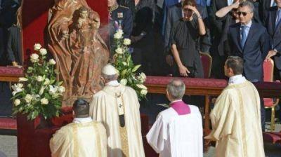 El Papa proclam� santo al Cura Brochero: los Macri, presentes