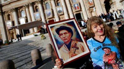 Canonización del Cura Brochero: los argentinos se hicieron notar en el Vaticano