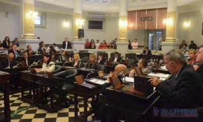 Contrarreloj, el oficialismo busca el voto que le falta para aprobar la reforma