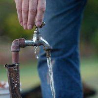 Derroche de agua: subieron tres veces las multas en 13 a�os