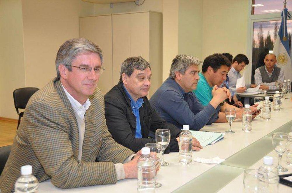 Intendentes cordilleranos analizaron problemáticas de los Municipios