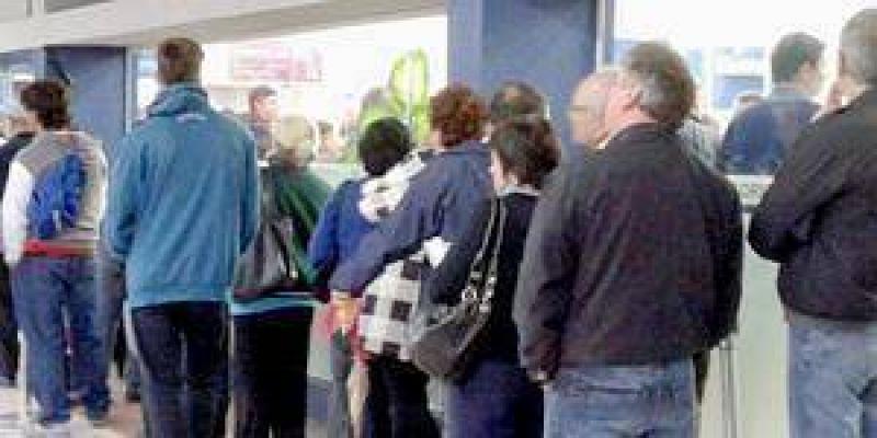 En la ciudad los bancos atenderán solamente desde las 7 horas hasta las 9 horas por la protesta