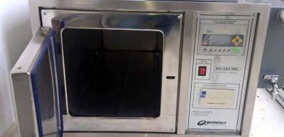 Nueva m�quina de esterilizaci�n para el hospital