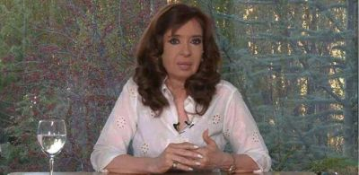 Cristina Kirchner cuestionó el endeudamiento y convocó a la marcha #NiUnaMenos