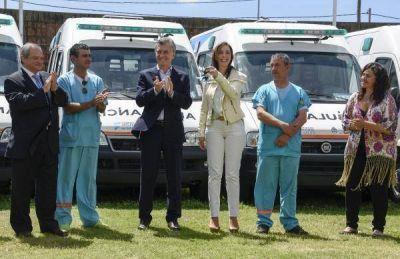Macri entregó ambulancias a Vidal para el interior bonaerense