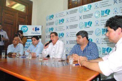 La Municipalidad y Carrefour firmaron convenio para que empleados comunales accedan a importantes beneficios