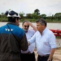 Comenz� el dragado del riacho de Barranqueras con trabajos en el muelle de YPF