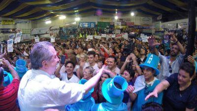 """En multitudinario acto por el Día de la Lealtad Peronista, Passalacqua subrayó los valores """"misionerismo"""""""