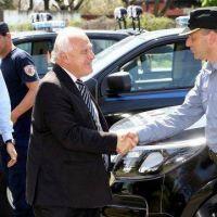 Lifschitz entreg� nuevas camionetas a la Unidad Regional I de Polic�a de Santa Fe