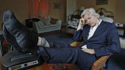 Ecuador le restringió el acceso a Internet a Julian Assange tras el