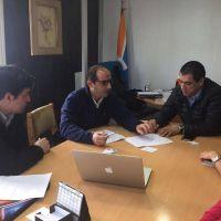 El presidente de la DPOSS se reuni� con uno de los creadores de �Aqua-fast�, el tanque pensado para solucionar los problemas de las viviendas con poco espacio.