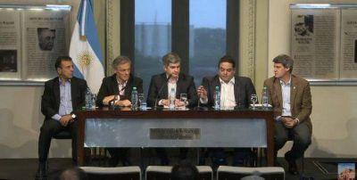 El Gobierno acord� con CGT y empresarios un bono de fin de a�o con un piso de $2mil